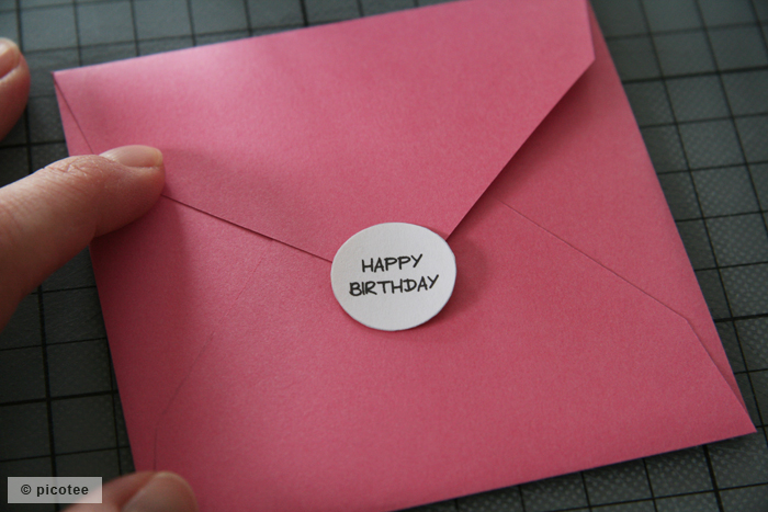 Umschlag mit Sticker
